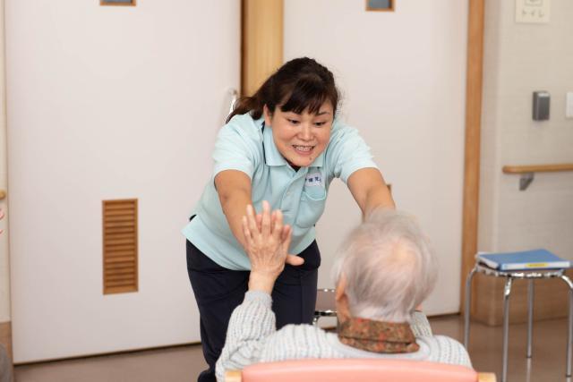 【採用】介護職(正職員)/老人保健施設はなかいどう